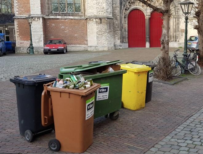 Rolcontainers en dikke diesels het centrum uit: ons plan voor bedrijfsafval